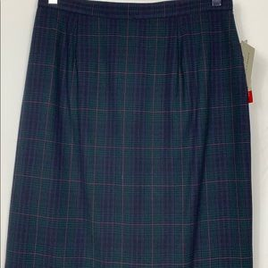 JH Collectibles Skirts - NWT JH Collectibles navy blue plaid skirt 10 wool